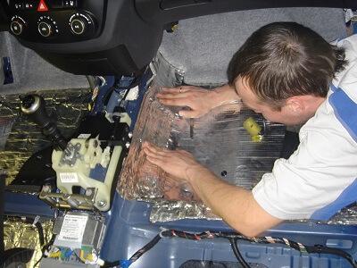 Монтаж шумоизоляции в авто